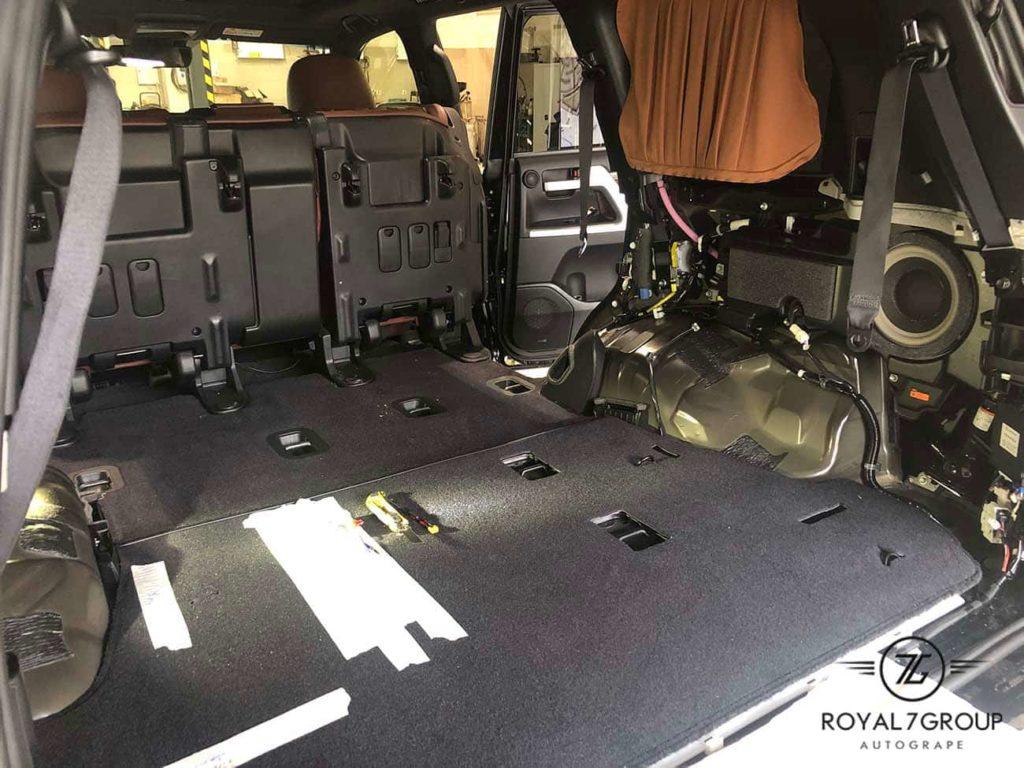 Коричневый третий ряд сидений Toyota Land Cruiser 200