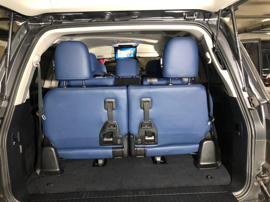 третий ряд сидений и потолочный монитор на лексус лх